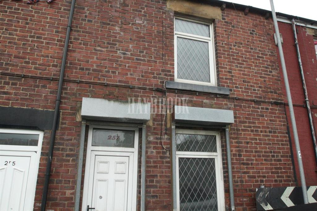 3 Bedrooms Terraced House for sale in Cemetery Road, Jump