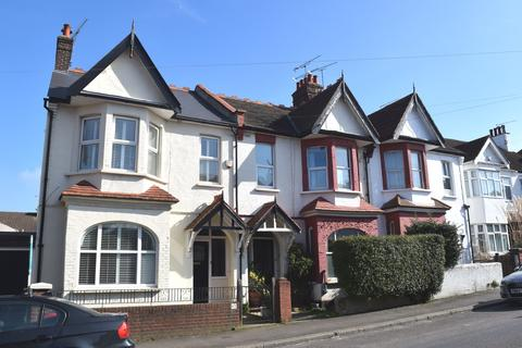 3 bedroom semi-detached house to rent - Southbourne Grove, Westcliff-on-Sea