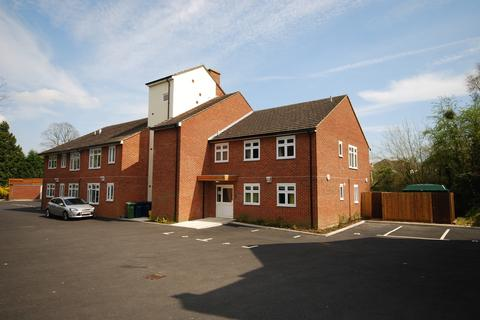 1 bedroom flat to rent - Whitebines, The Fairfield, Farnham