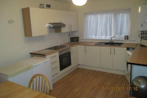4 bedroom terraced house to rent - Great Southsea Street, Southsea