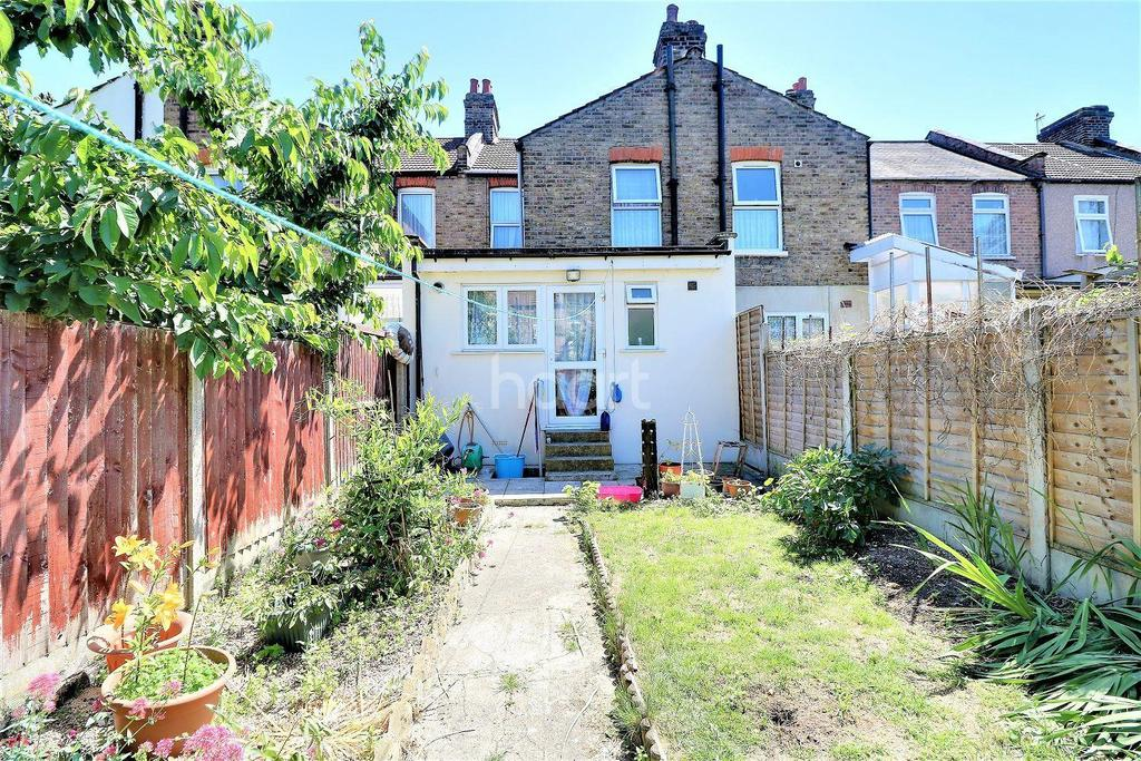 Harvey Road Ilford Essex 2 Bed Terraced House For Sale 350000