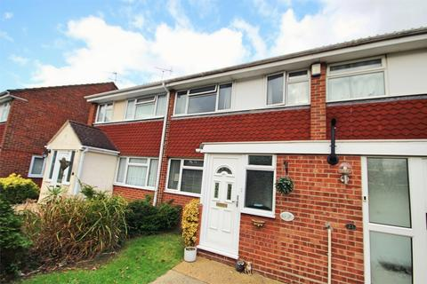 3 bedroom terraced house to rent - Swallow Path, CHELMSFORD, Essex