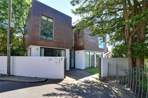 3 bedroom detached house for sale - Paget Terrace, Plumstead, London, SE18