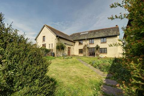 5 bedroom detached house for sale - Farmhouse with Annexe and Outbuildings, Nadderwater