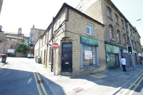 Shop to rent - Commercial Street, Shipley, BD18