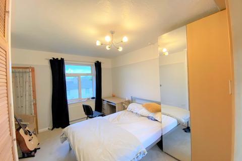4 bedroom semi-detached house to rent - Glen View, Penryn