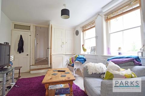 2 bedroom flat to rent - Cissbury Road, Hove, BN3