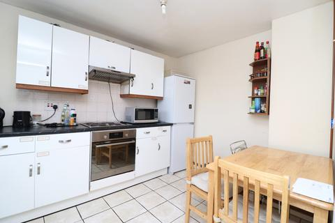 1 bedroom house share to rent - Eric Street, London E3