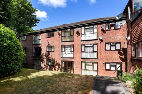 2 bedroom apartment to rent - Kaybridge Close, High Wycombe, HP13