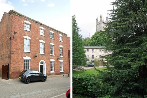 2 bedroom flat to rent - St Johns Lane, GLOUCESTER
