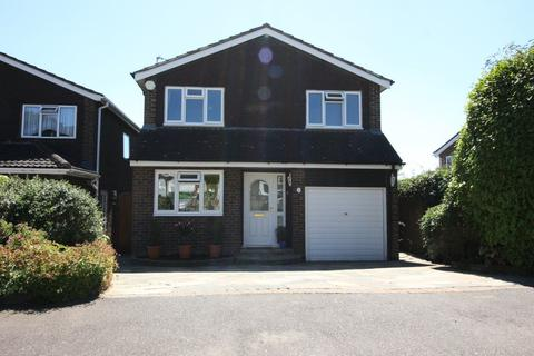 4 Bedroom House To Rent   Dickens Close, Cheshunt Waltham Cross