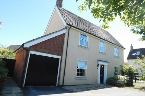 4 bedroom detached house for sale - Goldfinch Close