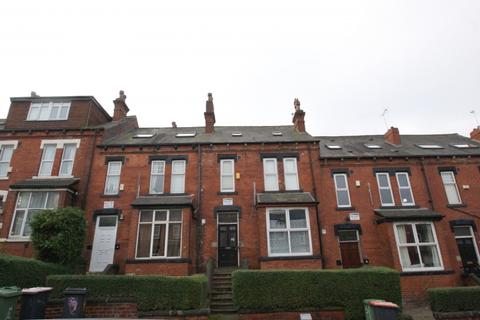 6 bedroom terraced house to rent - Brudenell Avenue, Hyde Park, Leeds