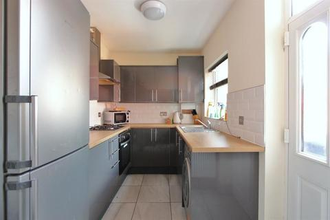 4 bedroom house share to rent - 172 South View Road - STUDENT PROPERTY