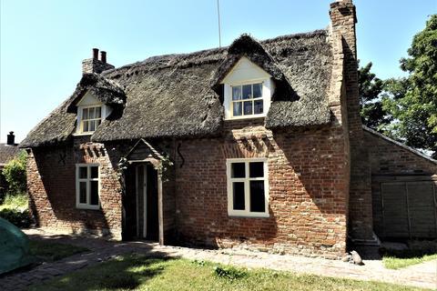 3 bedroom cottage for sale - Sutton Crosses, Long Sutton