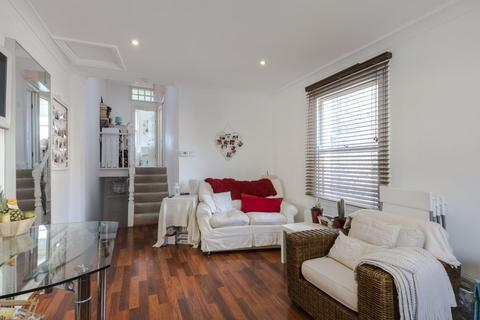 2 bedroom apartment to rent - Holyport Road, Fulham Palace Road