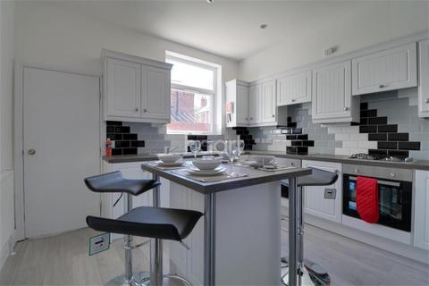 5 bedroom terraced house to rent - Radford Road, NG7
