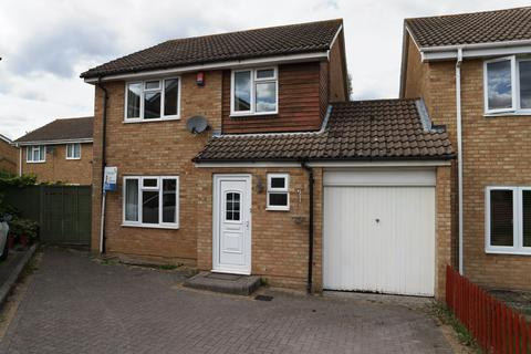 3 bedroom detached house to rent - Sage Close, Earley, Reading, RG6 5XT