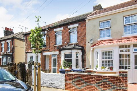 3 bedroom terraced house for sale - Gladstone Road, Southall, UB2