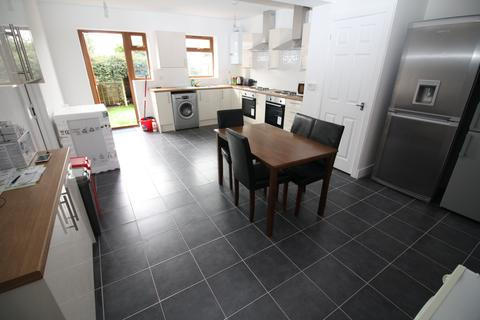 8 bedroom house share to rent - Charter Avenue, Canley,