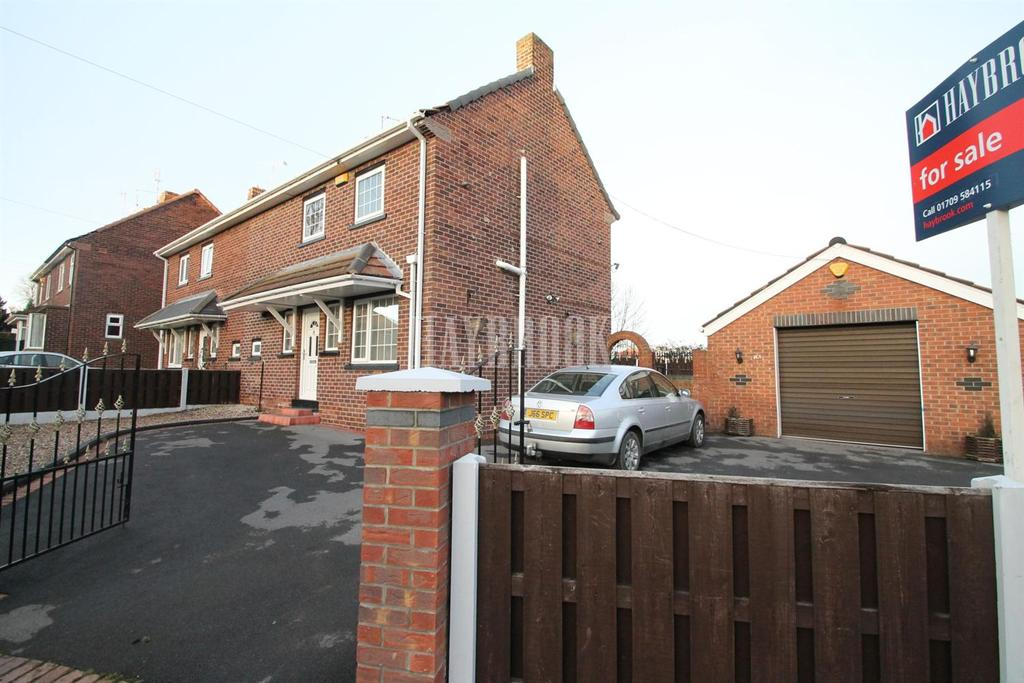 2 Bedrooms Semi Detached House for sale in Valley Road, Swinton