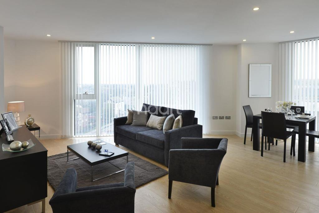 3 Bedrooms Flat for sale in Island Croydon