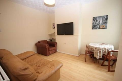 3 bedroom house share to rent - Milnthorpe Street, Salford