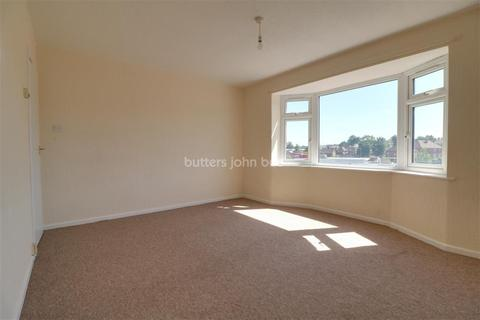 2 bedroom flat to rent - Queensway Court, Meir