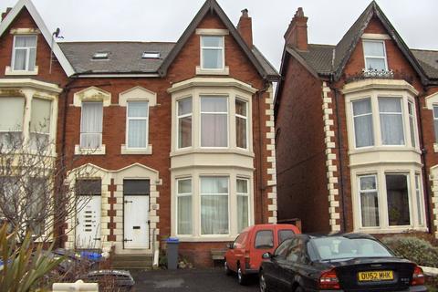 Studio to rent - Lytham Road, Blackpool FY4
