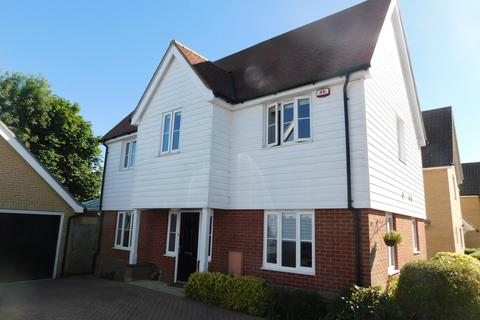 4 bedroom detached house for sale - Starling Way