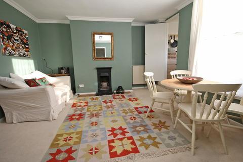 1 bedroom flat for sale - Hewlett Road, Cheltenham
