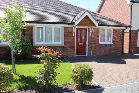 2 bedroom semi-detached bungalow for sale - Parc Castell, Llandudno Junction, Llandudno Junction LL31