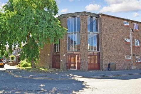 1 bedroom apartment for sale - Nash Road, Romford, Essex
