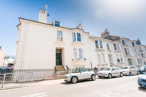 Studio to rent - College Road, Brighton, BN2