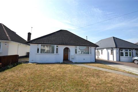 3 bedroom bungalow for sale - Tyn-y-Parc Road, Rhiwbina, Cardiff, CF14