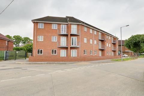 1 bedroom apartment to rent - Derringham Court, Ampleforth Grove