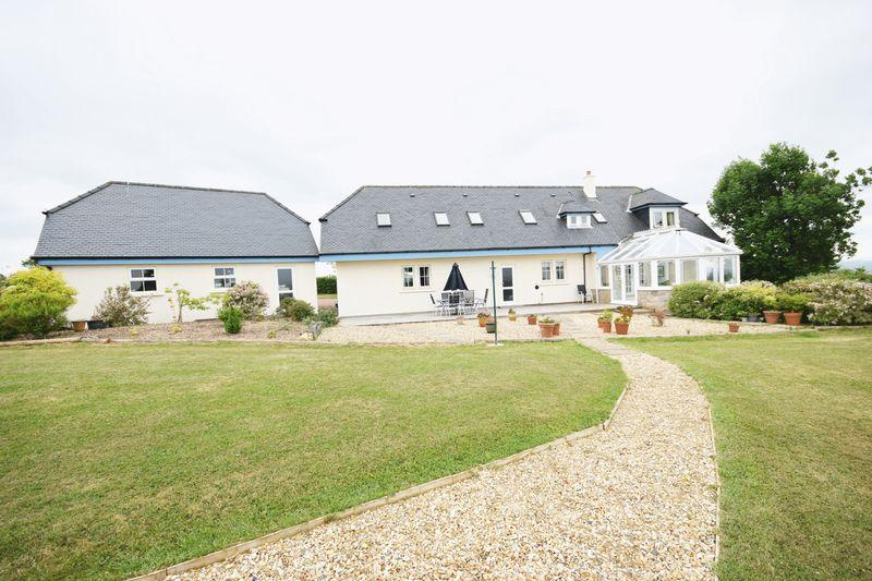 Fosterhill moscow by galston ka4 8pj 5 bed detached house £575 000