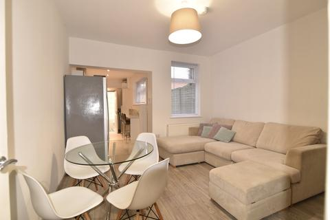 4 bedroom house to rent - Croft Street, Lincoln,