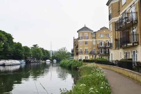 3 bedroom apartment to rent - Regents Riverside, Brigham Road, Reading
