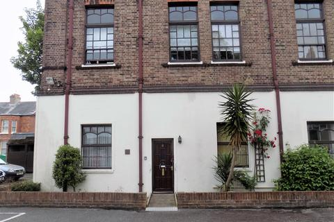 2 bedroom flat for sale - Lawrence Road, Southsea