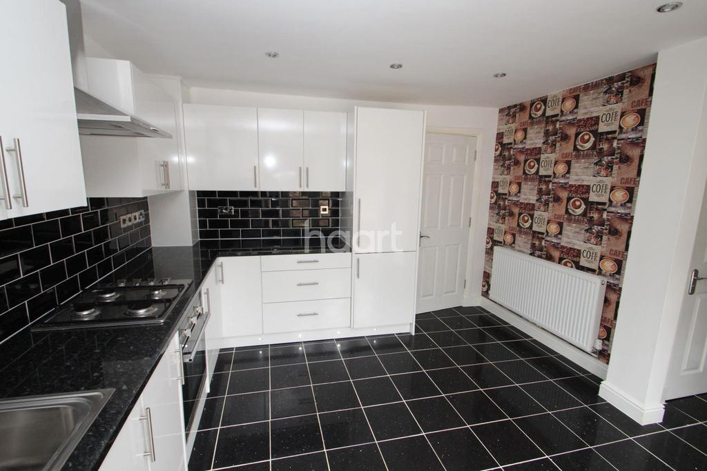 4 Bedrooms Detached House for sale in The Lodge