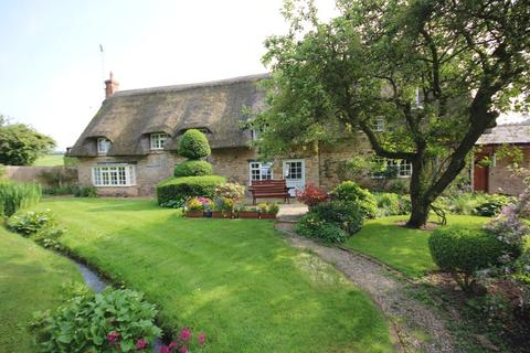 4 bedroom cottage for sale - Spacious Cottage with Annex, Harringworth