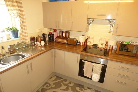 2 bedroom apartment to rent - Elvet Close, Heaton