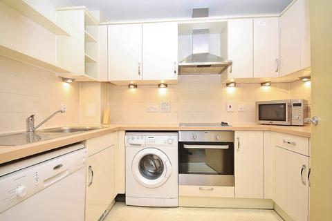 2 bedroom apartment to rent - Oriental Road, Woking