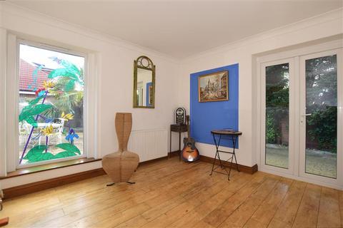 6 bedroom detached bungalow for sale - St. Lukes Avenue, Ramsgate, Kent