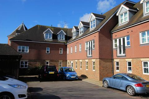 1 bedroom flat to rent - Kitsbridge House, Copthorne