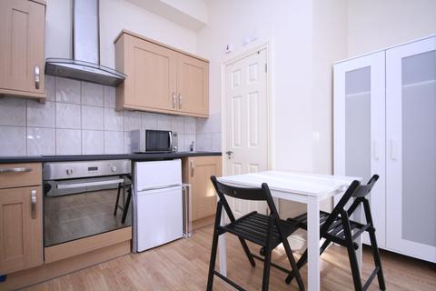 Studio to rent - Portnall Road, Queens Park