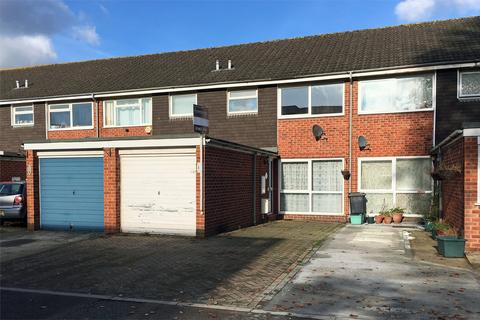 3 bedroom terraced house to rent - Holland Court, off Denmark Road, GLOUCESTER