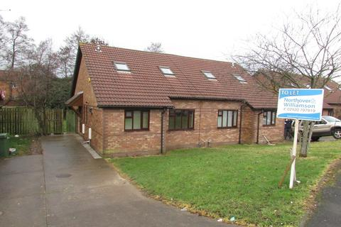 4 bedroom semi-detached house to rent - Jasmine Drive, St Mellons,Cardiff. CF3 0JD