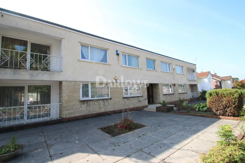 2 Bedrooms Flat for sale in Rannoch Drive, Cyncoed, Cardiff